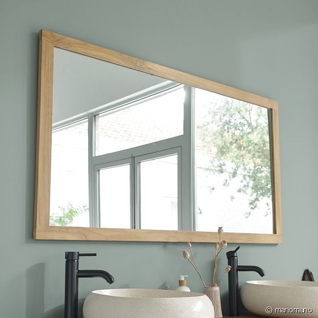 Ce beau miroir en bois de teck vous assurera une belle luminosité dans votre salle de bain