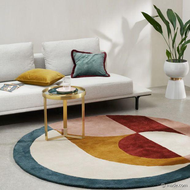 Magnifique ce tapis rond, pour mettre un peu de couleurs dans son salon