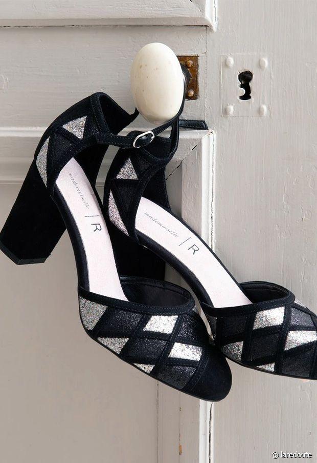 On les voit déjà à nos pieds avec une jolie petite robe noire