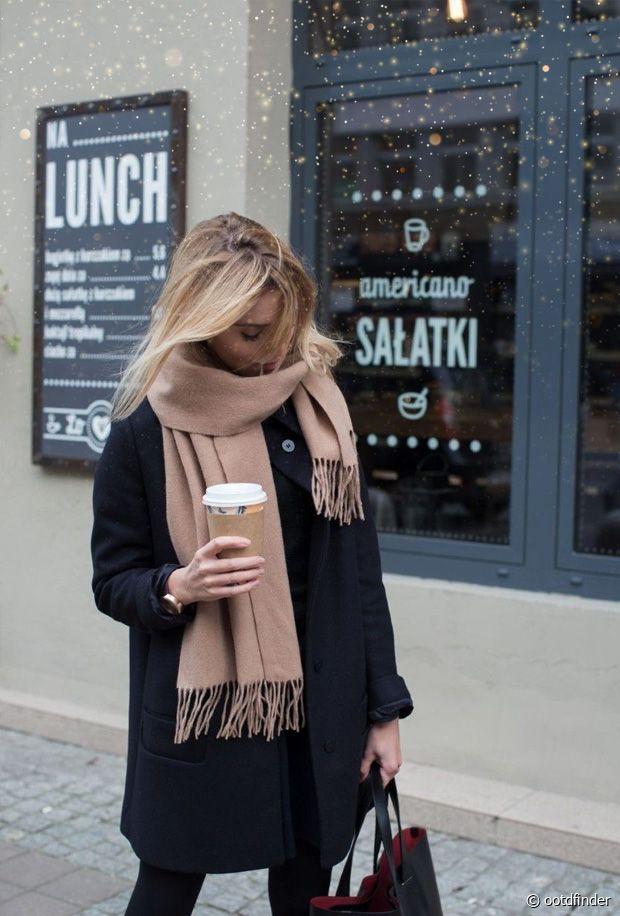 Sélection d'écharpes, gants et bonnets pour femmes pour l'hiver
