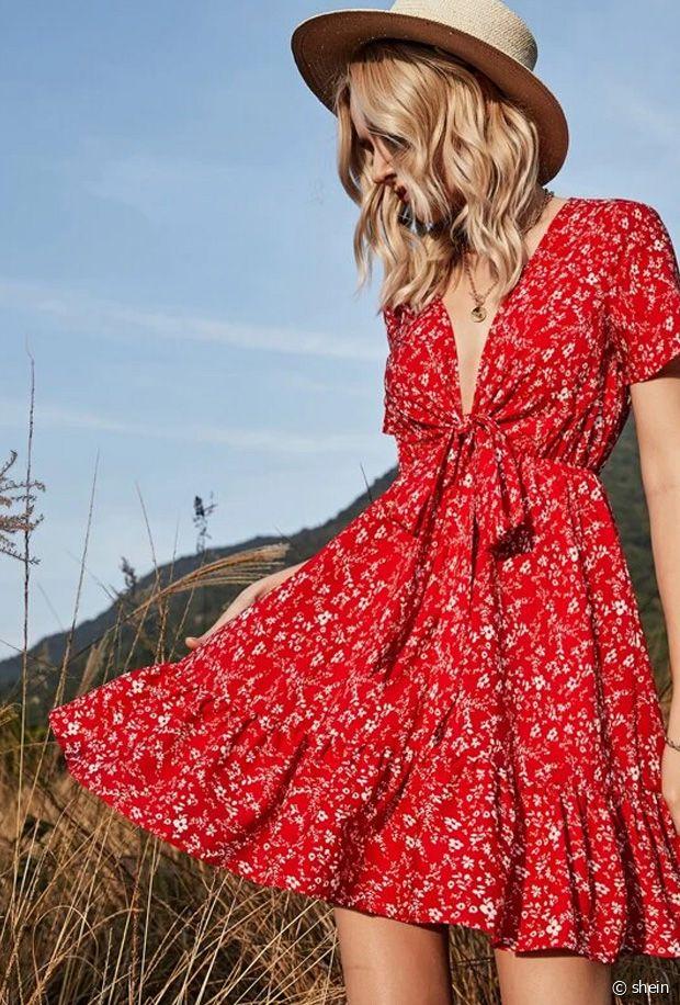Sélection de robes rouges fleuries pas chères pour le printemps-été 2021