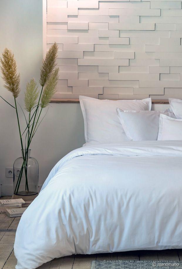La beauté d'un lit tout blanc