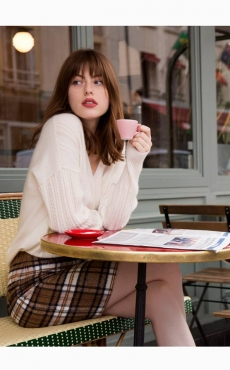 Comment porter la jupe à carreaux ?