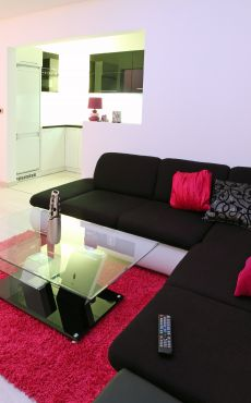 comment donner du peps son salon pureshopping. Black Bedroom Furniture Sets. Home Design Ideas