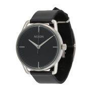 Nixon montre noir