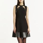 Femmes - z2 noir - robe noir sans manches bi-matière. robe en forme patineuse à col rond avec ouverture au niveau des clavicules. pli creux au niveau de la jupe au dos. fermeture à l'aide d'un zip invisible. - kookaï