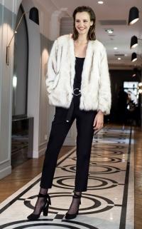 Look tendance en noir et blanc (Claudie Pierlot)