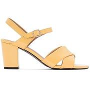 Sandales vernies jaunes brides croisées jaune