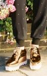 Comment porter les chaussures à plateforme ?