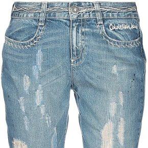 Pantalon en jean calvin klein jeans femme....