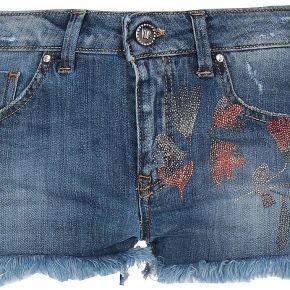 Short en jean vdp collection femme. bleu. 34...