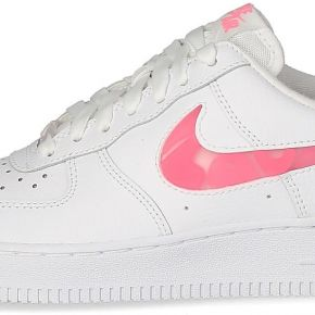 Baskets nike air force 1 femme love for all