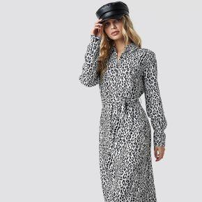 Na-kd leopard printed shirt dress - multicolor