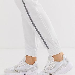 Adidas originals - falcon - baskets - triple blanc