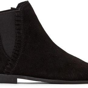 Boots chelsea cuir détail volant noir