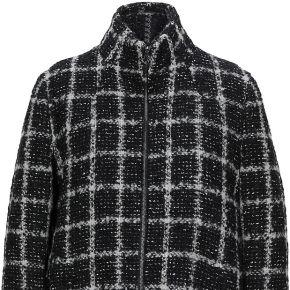Manteau long trussardi jeans femme. noir. 40...