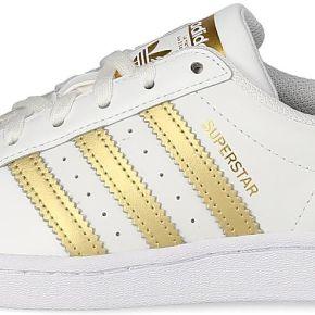 Baskets adidas superstar femme blanche et or