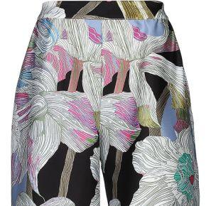 Pantalon lanacaprina femme. bleu ciel. 36...
